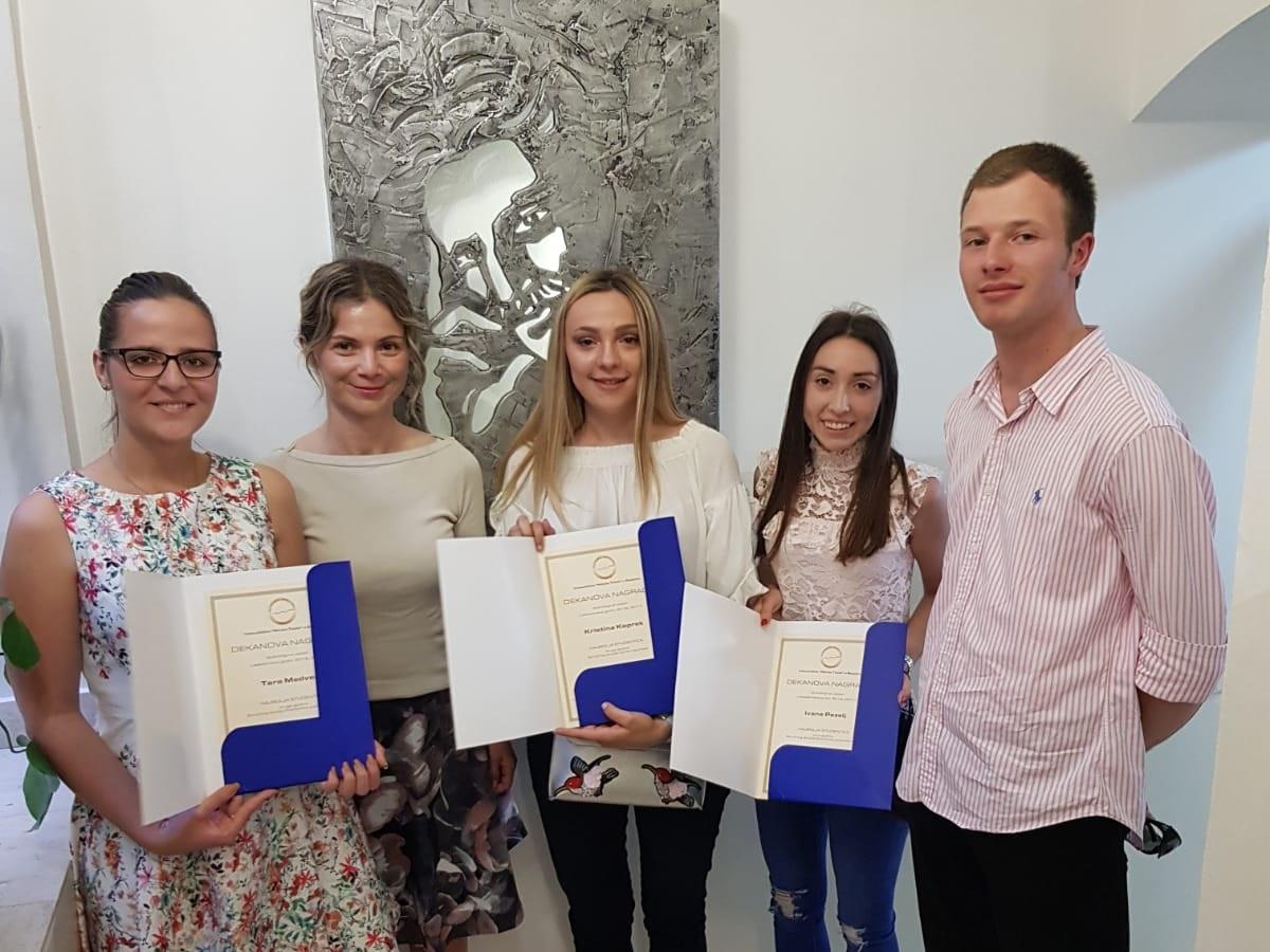 Dekanica dr.sc. Vlatka Ružić dodijelila Dekanove nagrade najboljim studentima