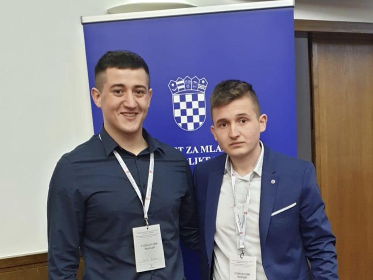 Savjet mladih vlade RH: Petar i Filip na sjednici u Saboru!